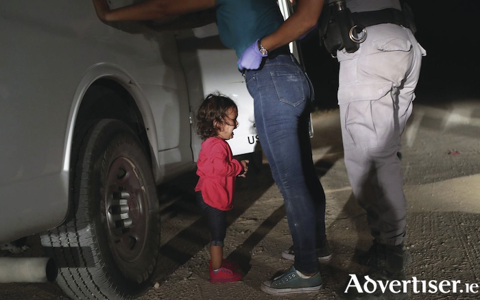 The photo of the Mexican child separated from her parents that shocked the world.
