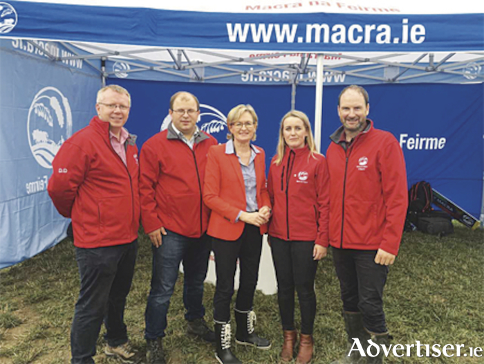Mairead McGuinness, Midlands MEP and Vice-President of the European Parliament pictured at the Tullamore Show on Sunday with Macra na Feirme members, Denis Duggan Chief Executive, James Healy President, Jennifer Keegan, Agriculture Policy Officer, Derrie Dillon Agriculture and Rural Affairs Manager.