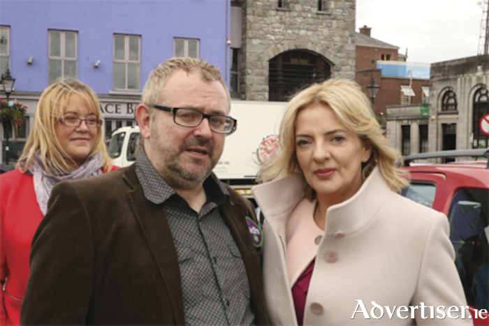 Presidential aspirant, Liadh Ni Riada and Kenny Tynan pictured during the Sinn Fein candidate's visit to Athlone on Monday