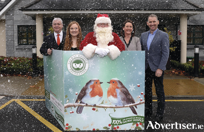 Pictured at the Galway Hospice 2018 Christmas Card Launch were Keith Finnegan, Galway Bay FM, Evie Falkner, Busker Brownes Bar & Kirbys Restaurant and Ej Kings Bar & Restaurant, Santa Claus, North Pole, Marion O'Reilly, Ultimate Office and Brian Whyte, Radharc Landscaping. Photo : Murtography