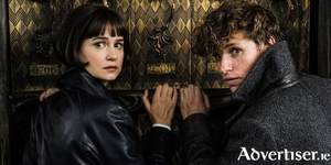 Katherine Waterston and Eddie Redmayne in Fantastic Beasts: The Grimes of Grindelwald.