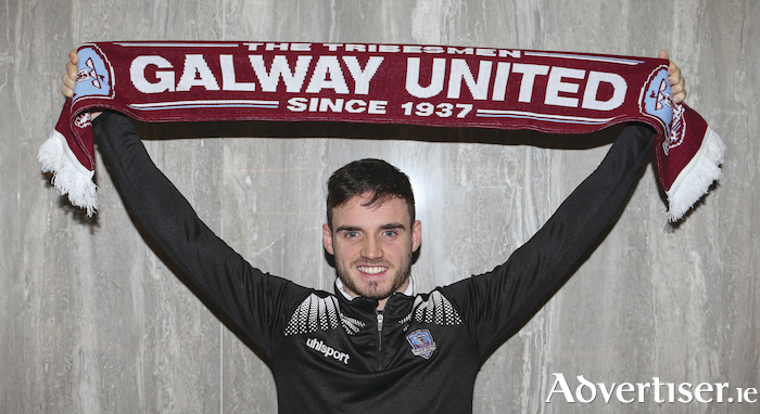 Conor Barry re signs for another season.