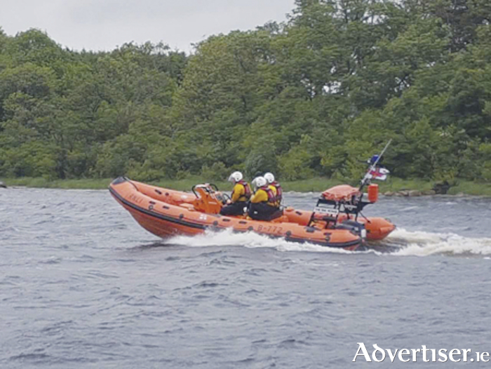 Lough Ree RNLI volunteers in rescue mode