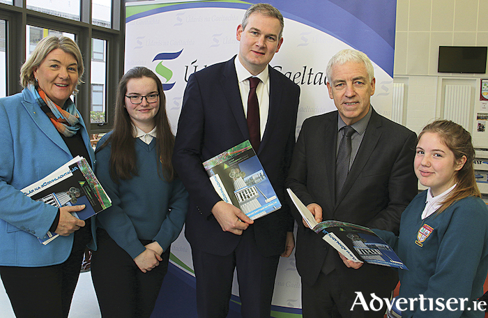 Helen Raftery, Junior Achievement Ireland; Eimear Ní Chonchúir, Coláiste na Coiribe; Seán Kyne, Minister of State at the Department of Culture, Heritage, and the Gaeltacht; Mícheál Ó hÉanaigh, Údaras na Gaeltachta; and Rebecca Delaney, Coláiste na Coiribe, at the launch of Údarás na Gaeltachta - Clár na gComhlachtaí 2018-19. Photo: Mike Shaughnessy.