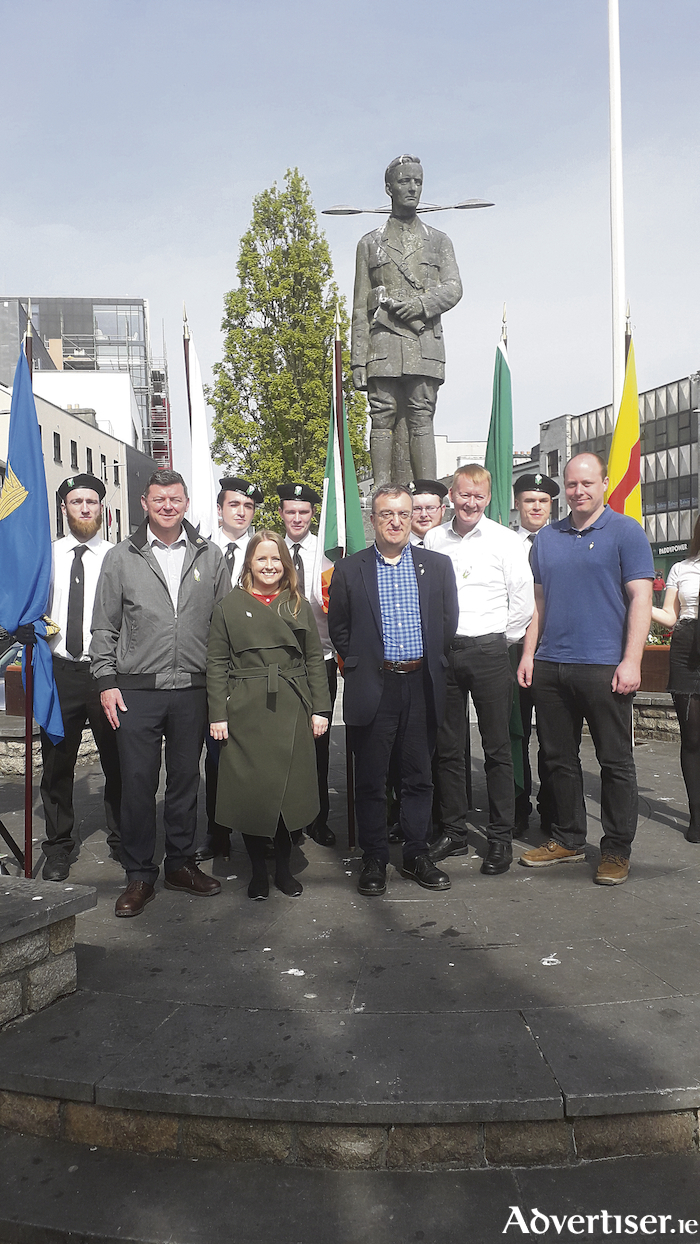 Cllr Mícheál Mac Donncha, flanked by Ógra Shinn Féin colour party, with Galway City councillors and South Connemara local election area candidate Kevin O'Hara.