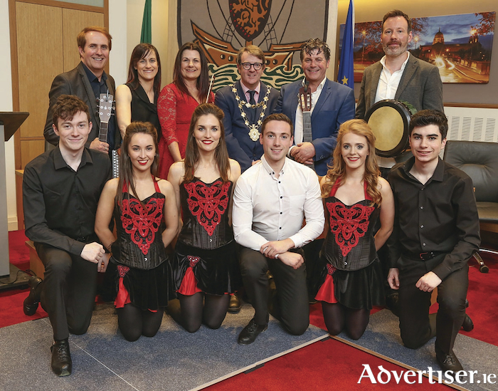 Mayor Niall McNelis held a Mayoral Reception for Trad on the Prom in City Hall to celebrate fifteen years of providing entertainment to tens of thousands of visitors and for supporting so many charity events in city. He is pictured here with members of the cast of the awardwinning show.