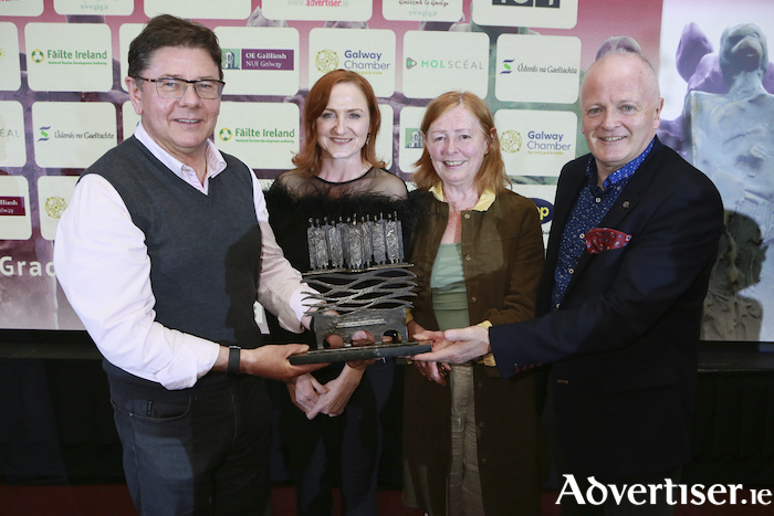 John Sweeney, Vivienne Molloy, Sweeney Oil, winners of the 'Services' category, (sponsored by Snap Galway)  and overall winners of Gradam Sheosaimh Uí Ógartaigh, Judy Greene, Sponsor of 'Bronnadh Speisialta na Moltóirí' and Declan Varley, Group Editor, Galway Advertiser (main sponsor's) at the presentation of Gradam Sheosaimh Uí Ógartaigh 2019 which took place in the Salthill Hotel recently.