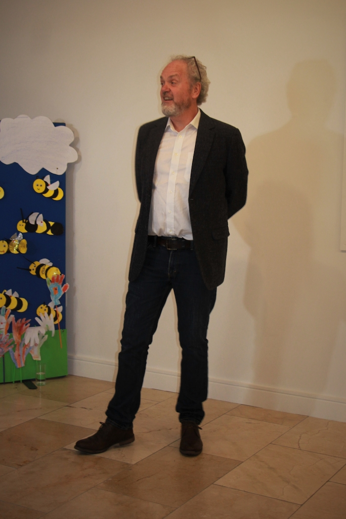 Dave Suddaby of Birdwatch Ireland launched Baile Slachtmhar Bhéal an Mhuirthead's beautiful exhibition It's All About the Bees and the Seas in Áras Inis Gluaire, Belmullet. The exhibition will run until August 12.