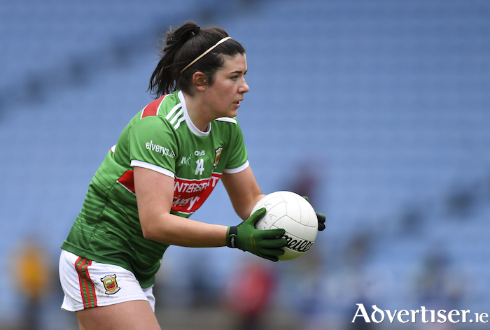 On the ball: Rachel Kearns. Photo: Sportsfile