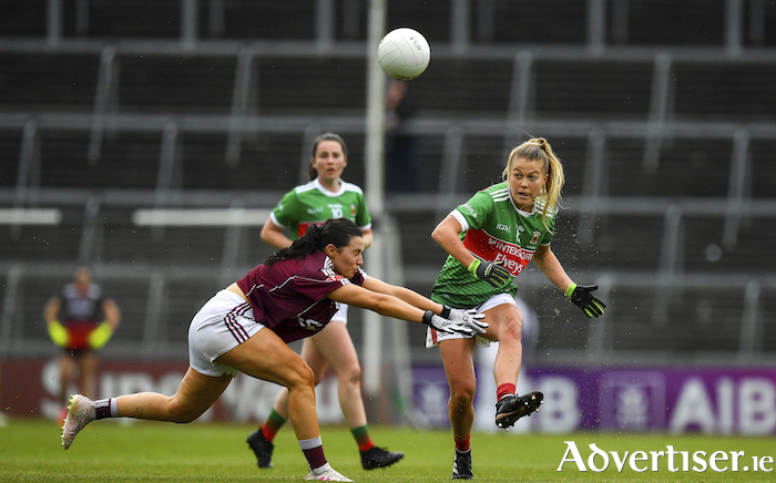 Passing range: Mayo's Sarah Rowe in action against Galway. Photo: Sportsfile