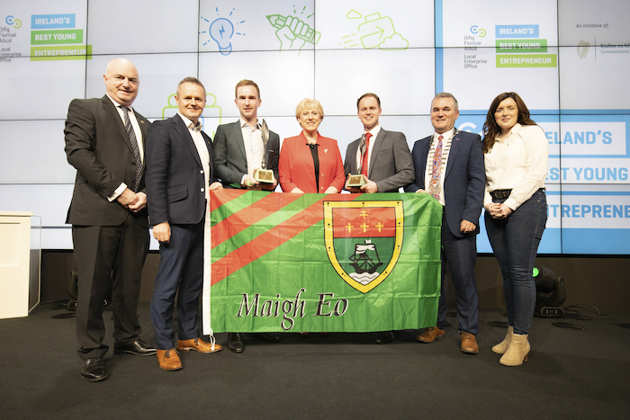 Peter Hynes, Chief Executive of Mayo County Council, John Magee, Head of Enterprise of Local Enterprise Office Mayo, Sean McGarry of ShowerGem, Minister Heather Humphreys, Brendan Maloney of Skillko, Cathaoirleach Brendan Mulroy, Elaine Moyles, Local Enterprise Office Mayo