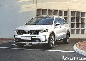 New Kia Sorento breaks cover.
