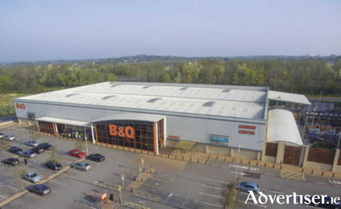 B&Q located within Arcadia Athlone Retail Park has been closed to the public since March 28.  Company management have conducted an in-depth traffic survey which acknowledges a slight increase in traffic levels on the M6 in recent times