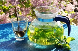 Fresh herbal tea from garden-grown mint