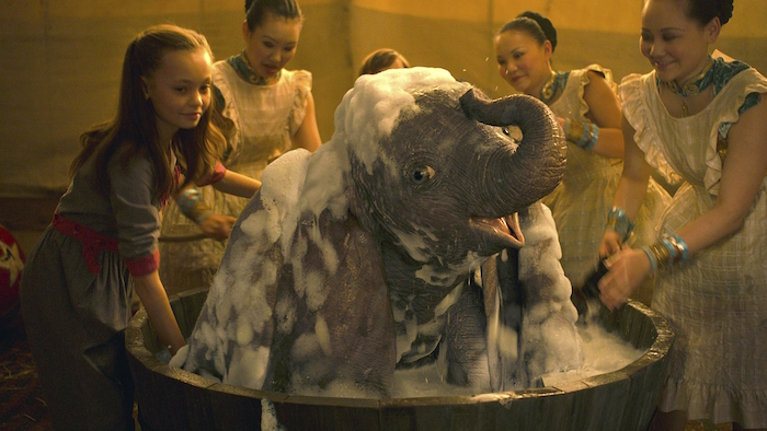 Advertiser ie - Dumbo - Tim Burton's bad run of movies continues