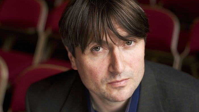 Simon Armitage headshot