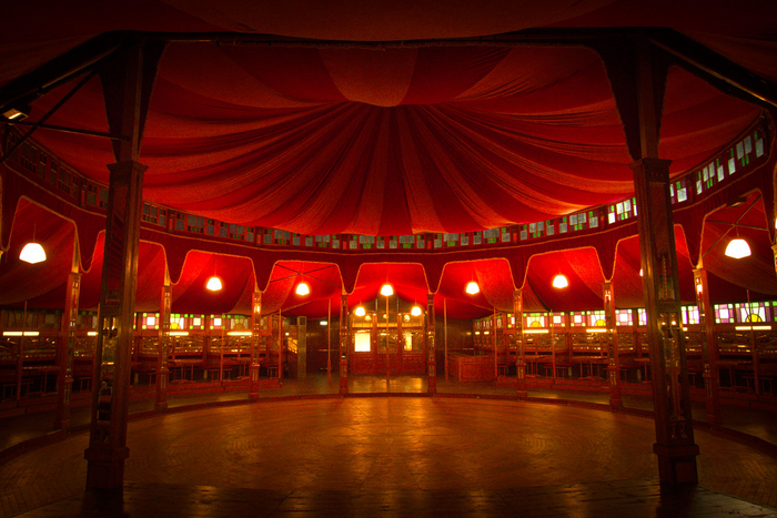 The interior of the Spiegeltent Paradiso.